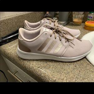 Women's Size 9 Cloudfoam Racer Shoes - Worn once